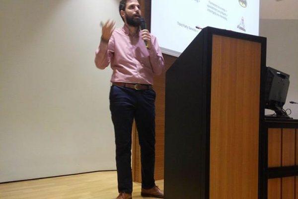 Stelios Eliakis analyzes the issue of e-commerce